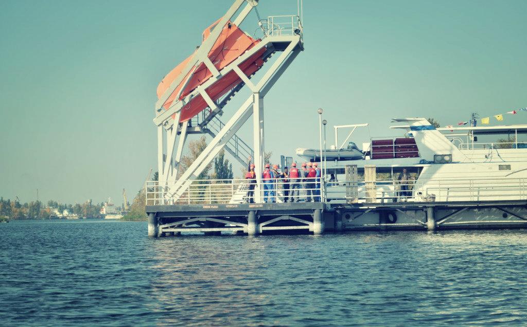 free fall lifeboat training
